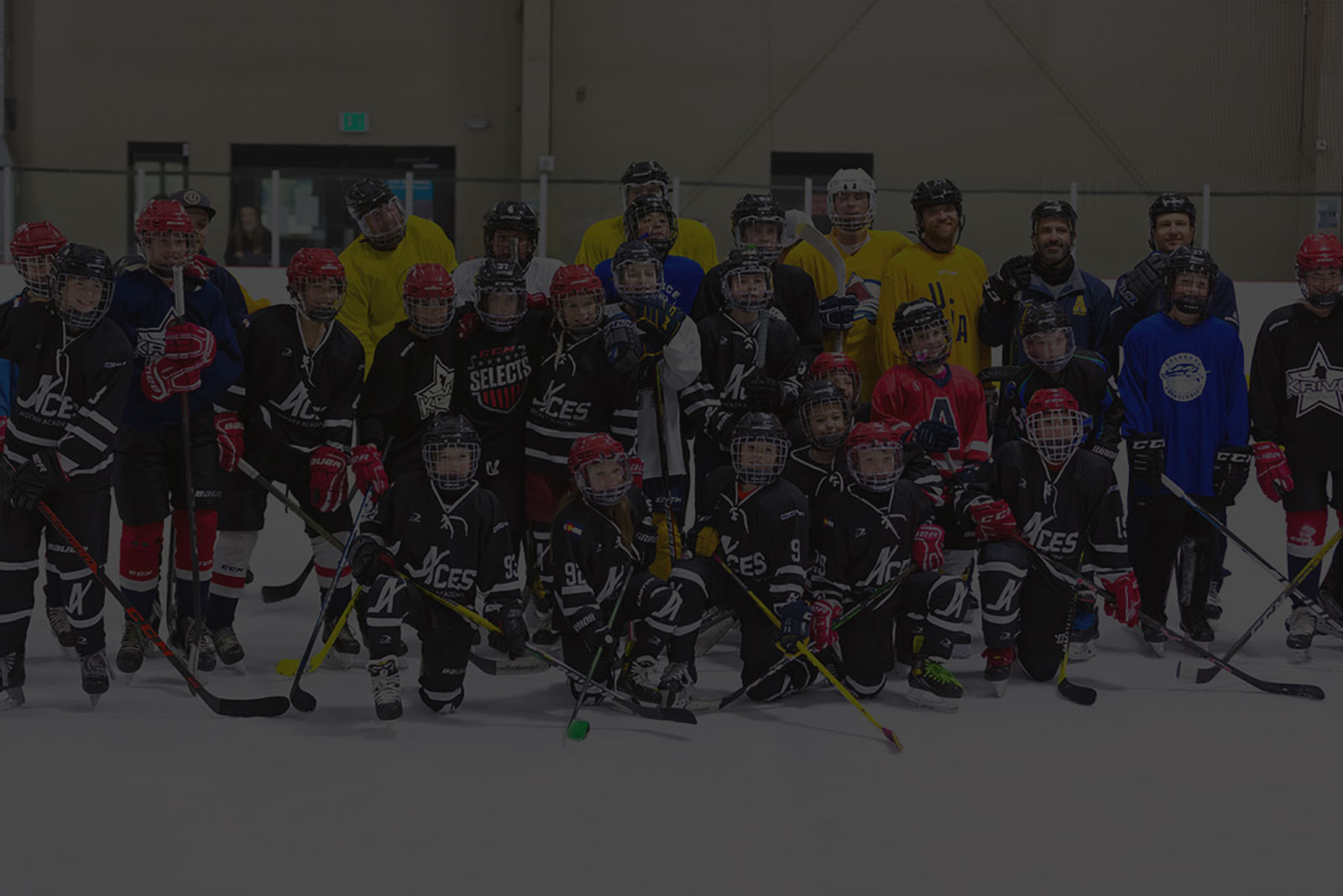 ACES Sports Academy group shot on ice
